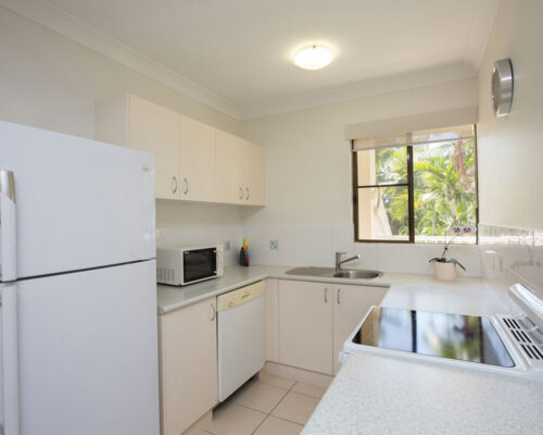 1200-1bed-gardenview-palm-cove21