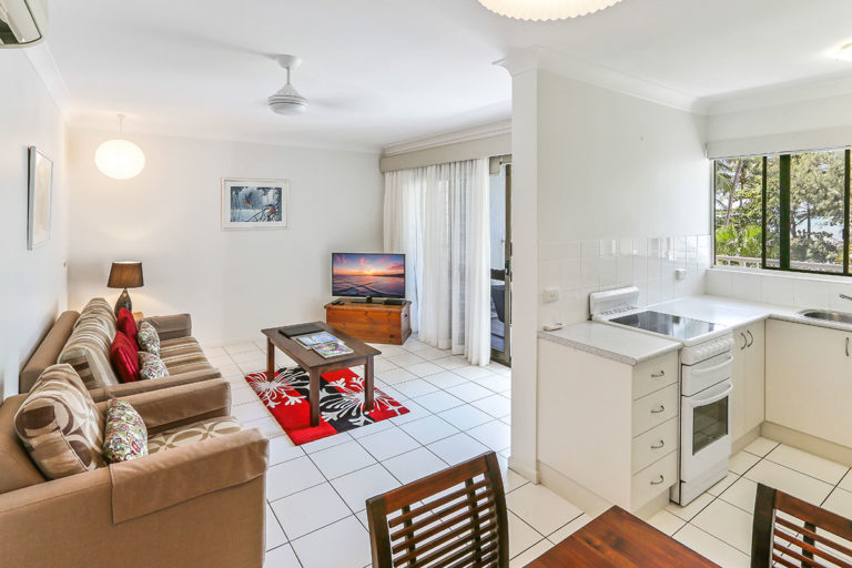 1200-1bed-oceanview-palm-cove4