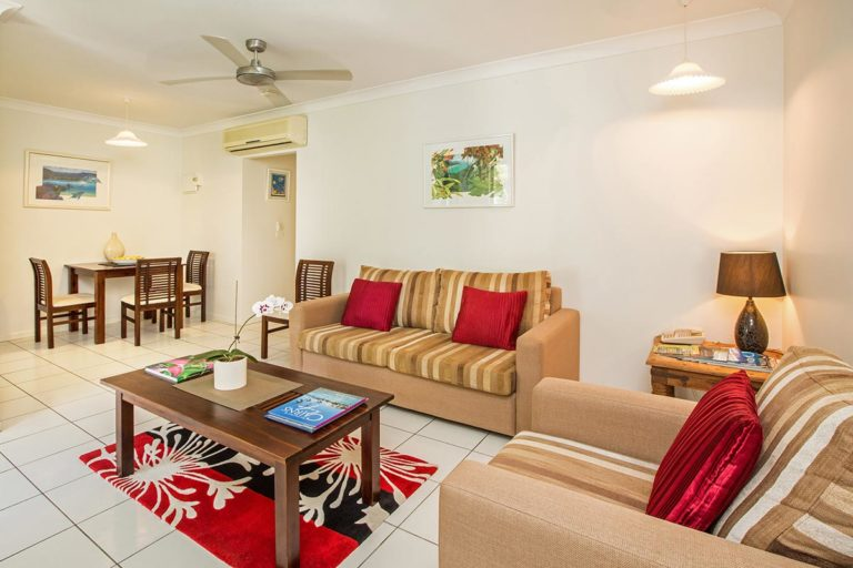 1200-palm-cove-accommodation-st1