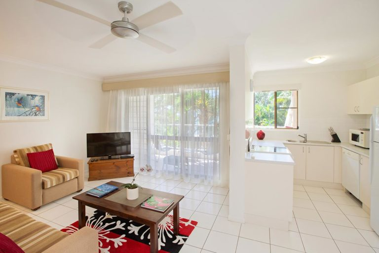 1200-palm-cove-accommodation-st2